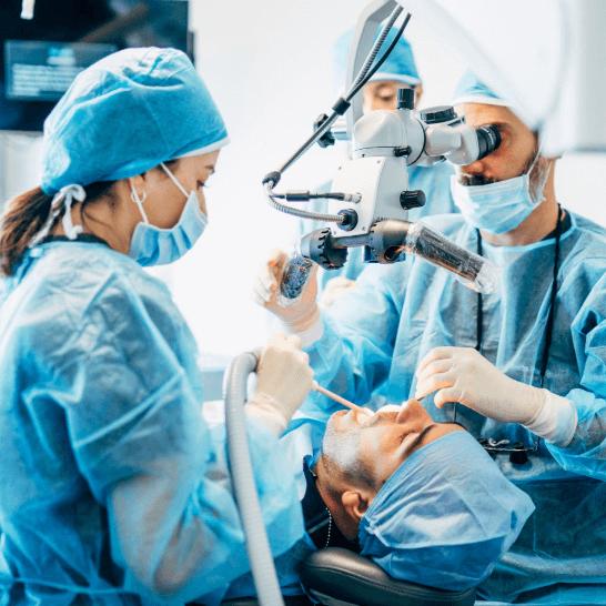 Cirugía dental en Valencia